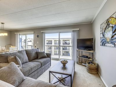 Photo for DAILY ACTIVITIES INCLUDED - close to the beach but also within walking distance to dining, shops, movie theatre, miniature golf