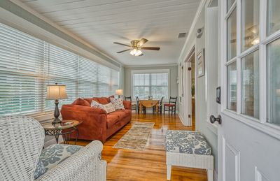 RECENTLY REMODELED DWELLING CLOSE TO THE BEACH