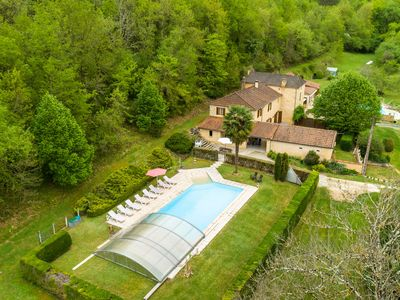 Photo for Spacious home with large swimming pool and large garden in Siorac-en-Périgord (3km)