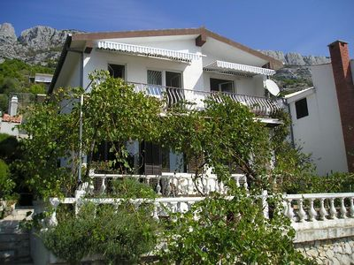 Photo for Two bedroom apartment with balcony and sea view Pisak (Omiš)