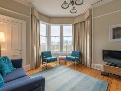 Photo for Beautiful 2 bed apartment with spectacular views