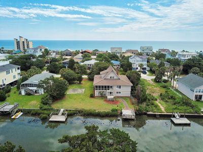 Photo for Tidal canal, fixed/floating docks, basketball 1/2 court, walk to beach, 2 porch
