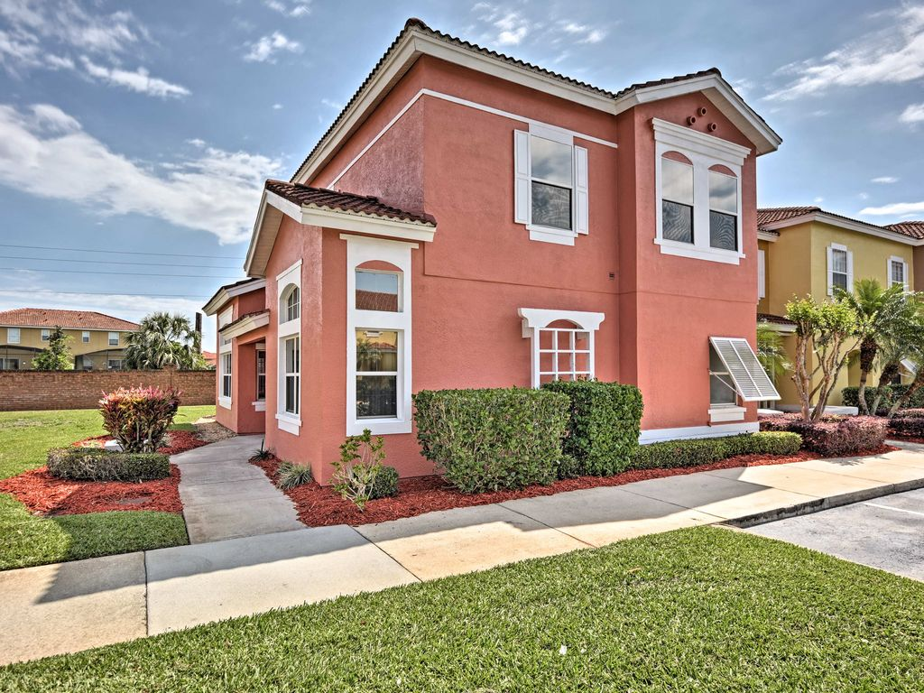 New Kissimmee Home W Private Lake 10 Mi To Disney 4 Br Vacation Townhome For Rent In Kissimmee