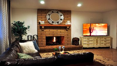 Photo for Spacious House with HOT TUB in Amazing City! Breakfast/BBQ/Netflix