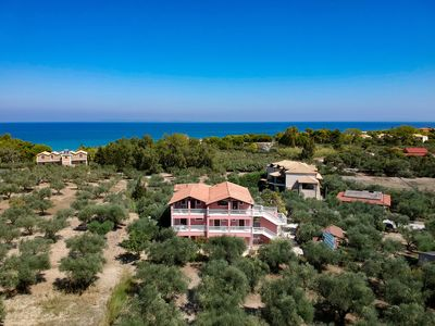 Arazzo Holiday apartments with direct access to the sea.