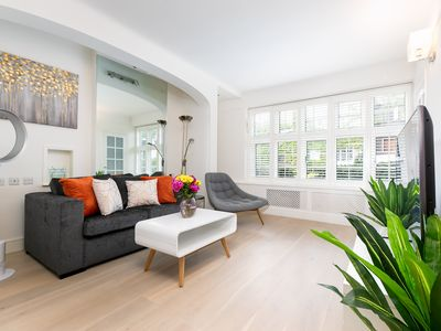 Photo for Stylish Notting Hill Apartment, 2Bed 1Bath