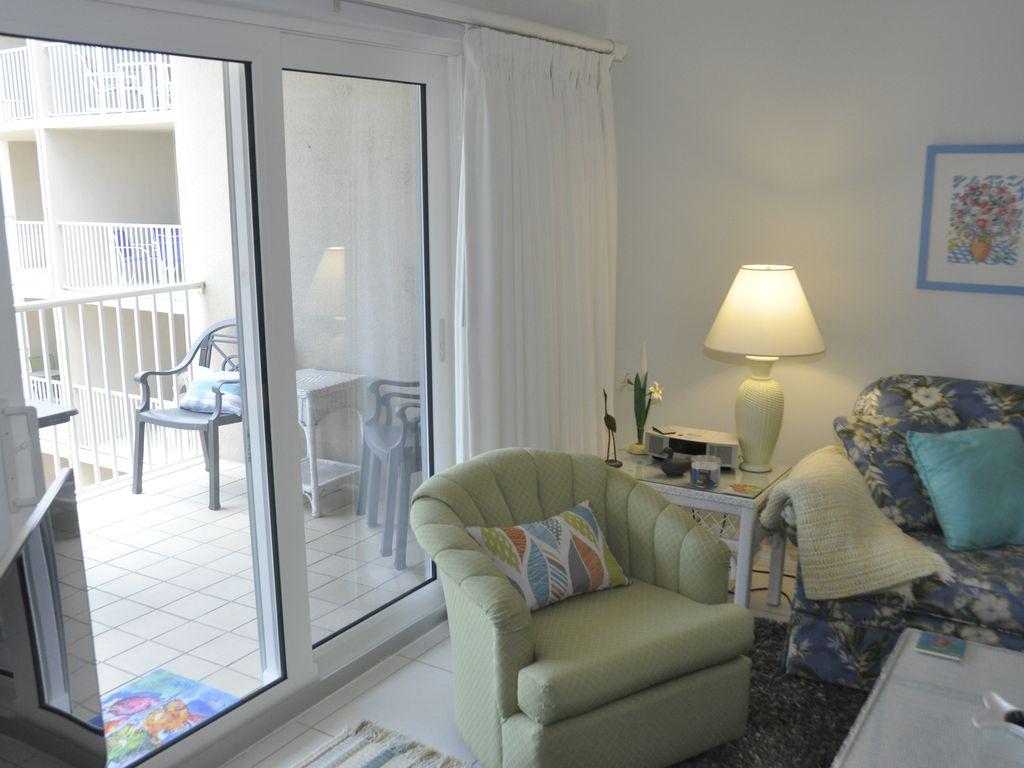 Surfs up in this condo with an Ocean View!  No Drive Beach in NSB!