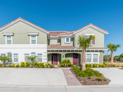Photo for Solterra Resort - 4BD/3.5BA Pool Home - Sleeps 8 - Gold - RST401