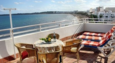 Photo for Apartment Balcony, overlooking, beach and sea, 25 mtrs from beach Lift wifi
