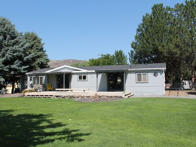 Photo for Lovely Sunland home built for fun