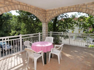 Photo for Two bedroom apartment with terrace Njivice (Krk)