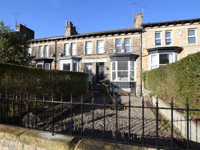 Photo for 3 bedroom House in Harrogate - HH056