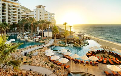 Photo for Luxurious Master Suite in Cabo's Top Beachside Resort