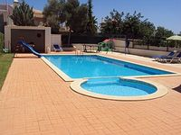 Lovely well equipped villa with stunning pool