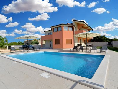 Photo for Holiday house Galizana for 8 - 10 persons with 4 bedrooms - Detached holiday house