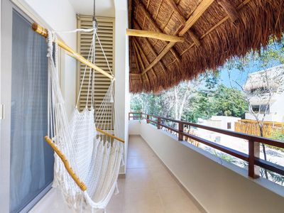 Photo for Tropical condo with shared pool & full kitchen, a few miles to the beach & ruins