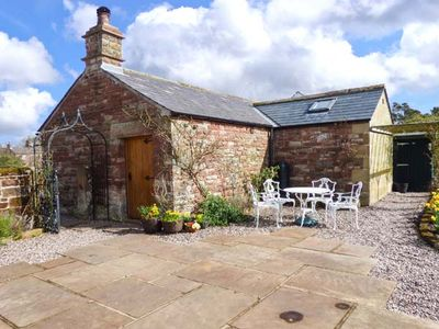 Photo for THE COBBLES, romantic, with open fire in Winskill, Ref 12060