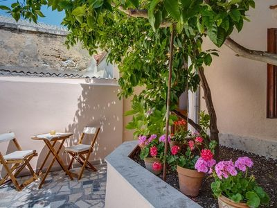 Photo for Holiday apartment with air conditioning in quiet surroundings