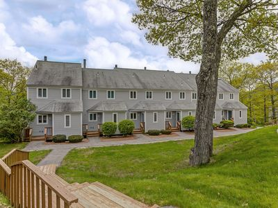 Photo for 3BR Condo Just 2 Min to Storyland! Pool, AC, Cable & WiFi!