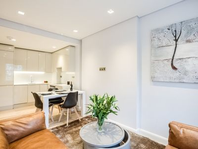 Photo for Hyde Park Sussex Luxury Apartment III B