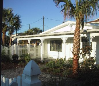 Photo for Lovely Beach Cottage w/ Private Fountain Pool