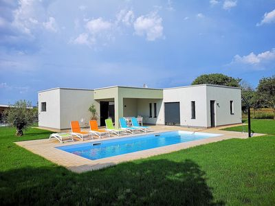 Photo for Beautiful villa for pure relaxation in the center of Istria