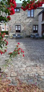 """Photo for Cottage """"the bakehouse"""" in the park of the castle of Craon"""