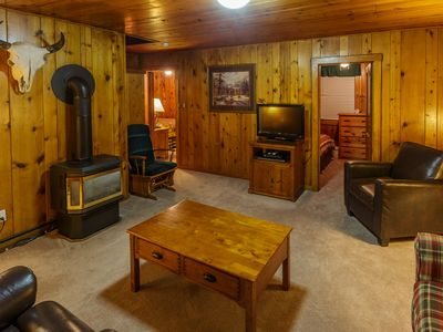 Authentic 2 Bedroom Log Cabin in West Yellowstone at Faithful Street Inn