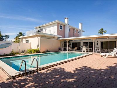 Photo for USS Gulf Breeze Beach, 5 bedrooms with Loft,  Sleeps 16, Gulf Views, Private Pool