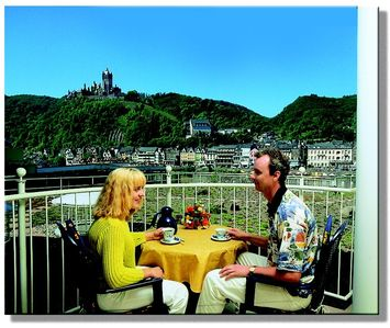 Photo for On the sunny side of Cochem - with balcony and castle views, underground parking included.
