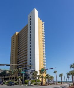 This Sterling Reef Resort is gulf front and is centrally located to everything.