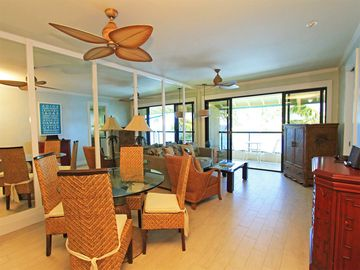 Tropical Suite w/Modern Bath+Kitchen, Lanai, Washer/Dryer, WiFi–Poipu Shores 403A