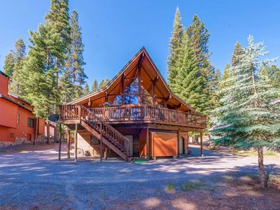 Photo for Large family cabin getaway on Golf Course at Lake Almanor West