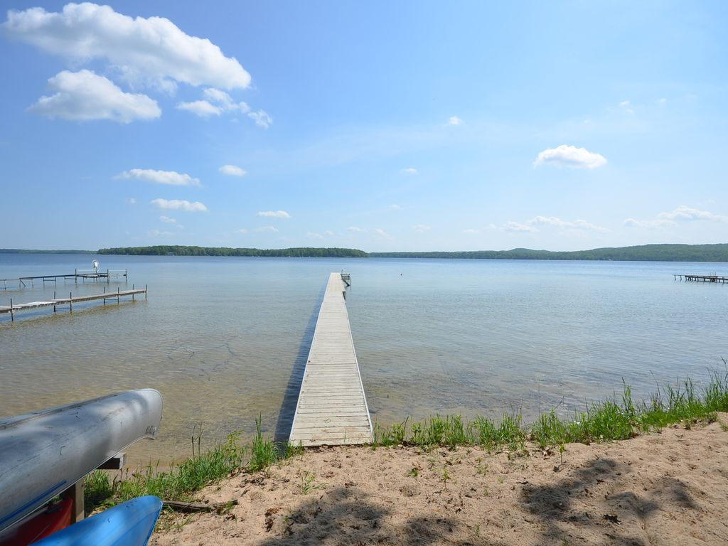 Interlochen-Duck Lake- Pet ok-2 cottages!... - HomeAway Interlochen