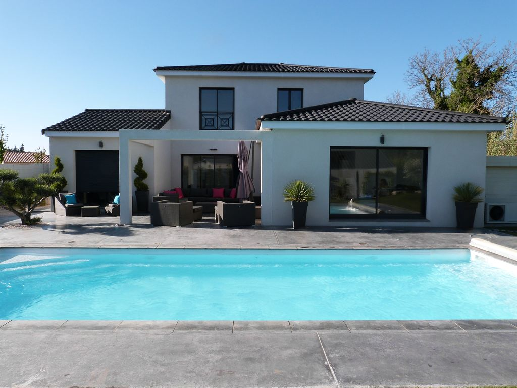Villa Contemporaine 4 Ch 8 Pers Swimming Homeaway
