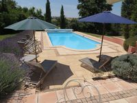 Great property for extended family get together. We all loved the space and the pool in particular.