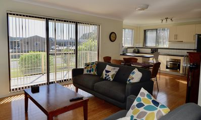 Photo for Mollymook Sunrise Holiday Apartment