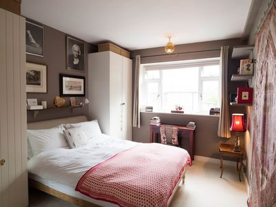 Photo for Stylish, light, quiet apartment in Shepherd's Bush/Hammersmith