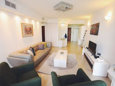 Art Apartment Near Mamila parking/ best Location 2