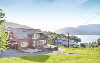 Photo for 4 bedroom accommodation in Tyssebotnen