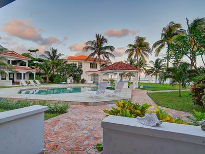 Photo for Ocean View Condo at Yacht Club, shared pool, close to town, housekeeping