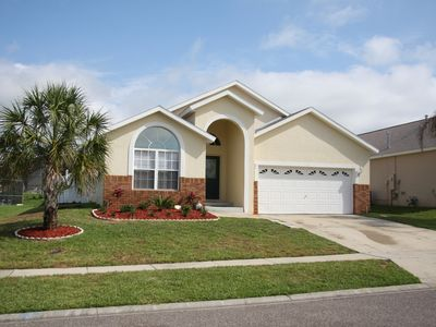 Photo for Southbriar -5 bed/4bath-private pool/spa-3 mi from Disney-free internet