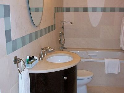Photo for Apartment 1.5 km from the center of New York with Internet, Air conditioning, Lift, Parking (130901)
