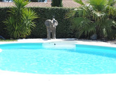 Photo for Superb villa with a pool, luxurious amenities, in the quietness