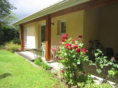 Photo for A Biscarrosse, nice villa with garden. 200m from the lake, nearby beaches