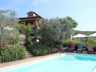 Photo for In the hills of the Chianti near Siena and Arezzo lux. Villa with pool, sleeps 9