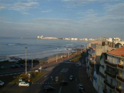 Photo for sea view, close to all commerce, pleasant and spacious