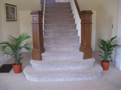 Entry double stairway
