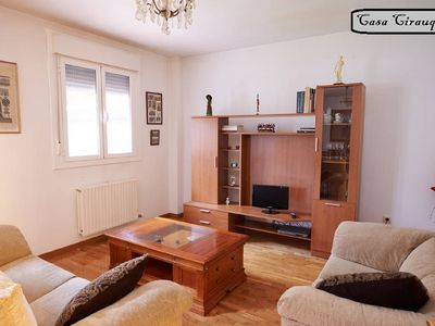 Photo for 3 bedroom house with private garden