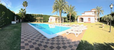 Photo for Family house with large garden and private pool, 500m from the sea with WIFI